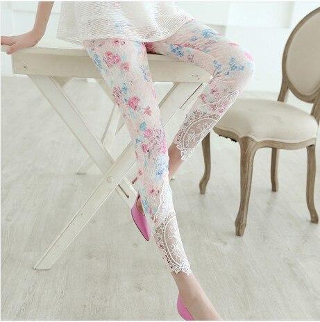 2016 new female Korean fashion female thin spring nine slim printing elastic Lace Leggings