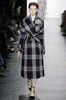 Осенне зимняя Дамская обувь твидовый в клетку пальто шик Англия Стиль поясом жемчуг пальто, расшитые бисером D478