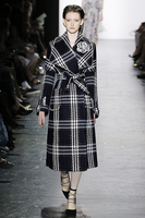 Women Autumn winter plaid tweed overcoats Chic england style belted pearls beading coats D478