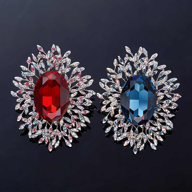 ... Cdyle Crystals from Swarovski Brooches Women Austrian Rhinestone  Fashion Jewelry Elegant Chic Blue Red Classic Round ... 8eae827f9bc6
