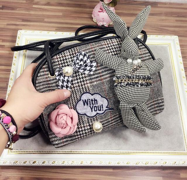 M488 Cute Individual Character Camellia Plaid Wool Plaid Rabbit Single Skull Messenger Bag Small Size Women Girl Gift Wholesale