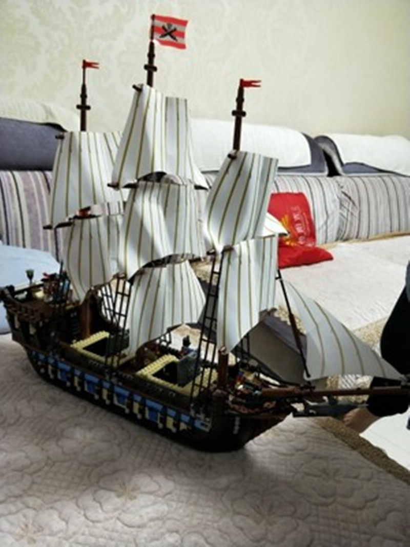 DHL 22001 en Stock bateau Pirate navires de guerre impériaux modèle de construction Kits bloc Briks jouets cadeau 1717 pièces Compatible10210