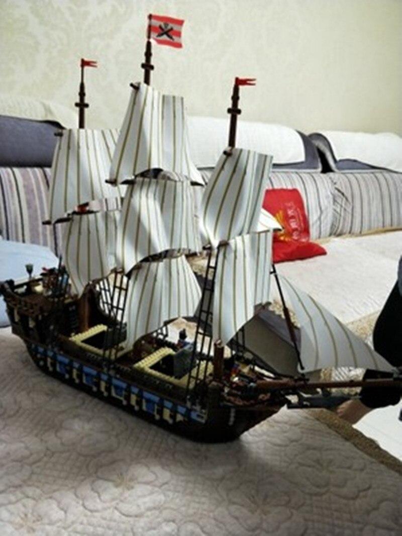DHL 22001 in Lager Pirate Schiff Kaiser kriegsschiffe Modell Gebäude Kits Block Briks Spielzeug Geschenk 1717 stücke Compatible10210-in Sperren aus Spielzeug und Hobbys bei  Gruppe 1