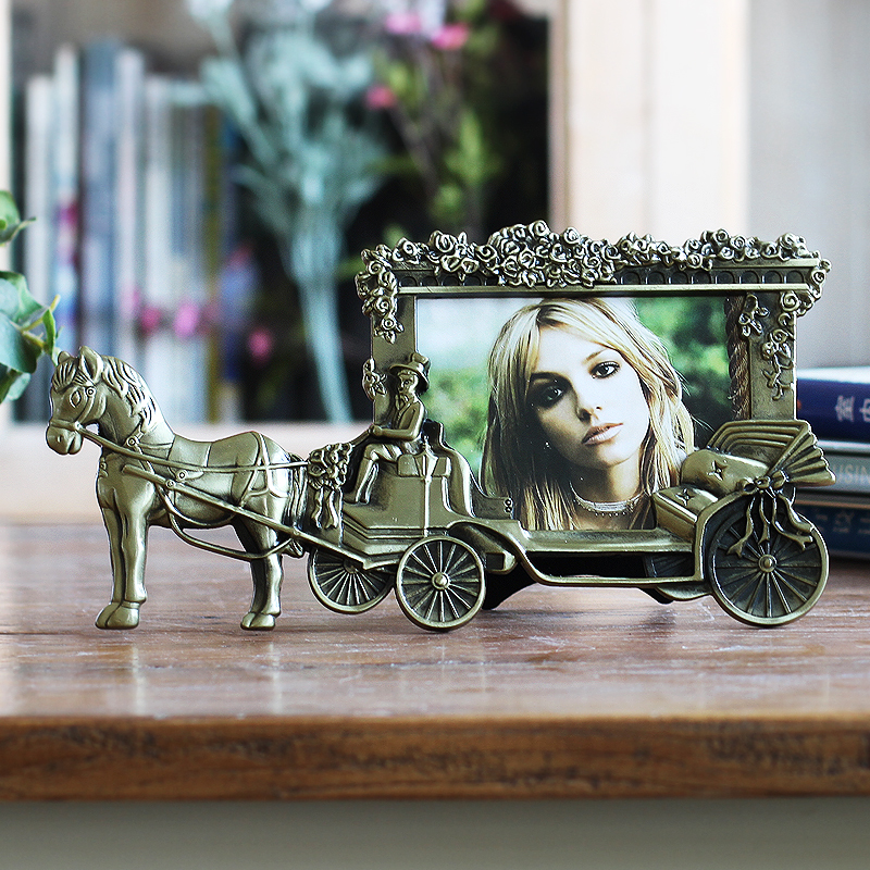 classic style carriage metal photo frame table home