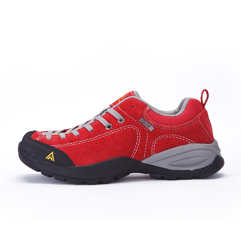 Famous Brand Womens Leahter Waterproof Outdoor Hiking Trekking Shoes Sneakers For Women Sports Climbing Mountain Shoes Woman brand sneakers women 2017 hiking shoes woman breathable climbing shoes outdoor sneakers waterproof trekking shoes large sizes