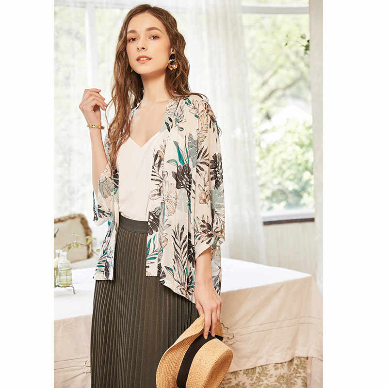 9069c6ce2f ... ARTKA 2018 Summer New Women Fresh Printed All-match Three Quarter  Sleeve Simple Chiffon Cardigan ...