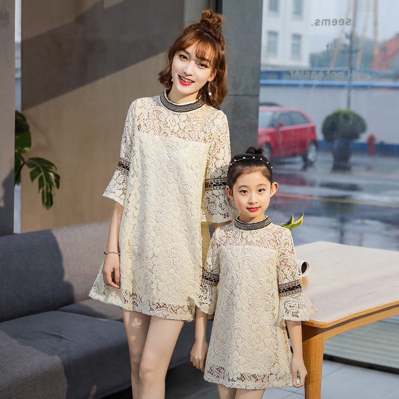 Family Look Outfits Family Matching Outfits Mother Daughter Lace Dresses Horn Sleeve Mom and Me Princess Dress for Wedding Party mother daughter dresses family matching outfits lace plaid family look matching clothes mom and daughter dress drop shipping