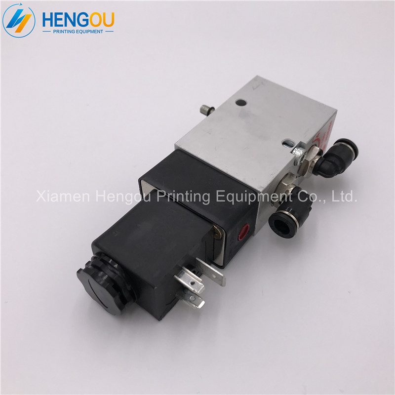 1 Piece heidelberg parts 98.184.1051 Heidelberg Valve 4/2-way valve for SM102 CD102 SM74 SM52 machine 61.184.1051 2625484 5 pieces heidelberg parts 98 184 1051 heidelberg valve 2625484 for heidelberg cd102 sm102 mo machine parts