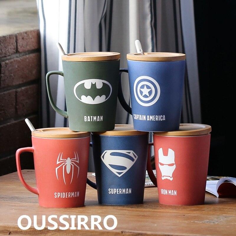 OUSSIRRO Super héroe vengador de la Liga de la justicia infinito tazas con tapa y cuchara Color puro taza de herramienta de cocina regalo
