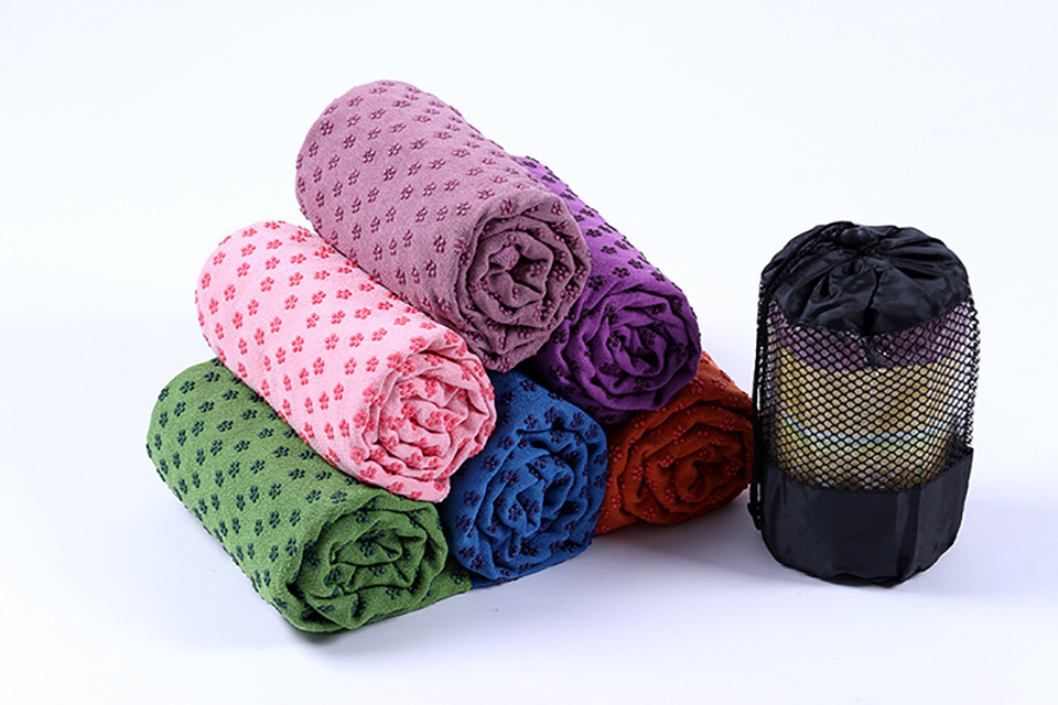 Photo of colors Yoga mat towel of microfiber & bag. Workout ultrafiber towel mat & mesh bag