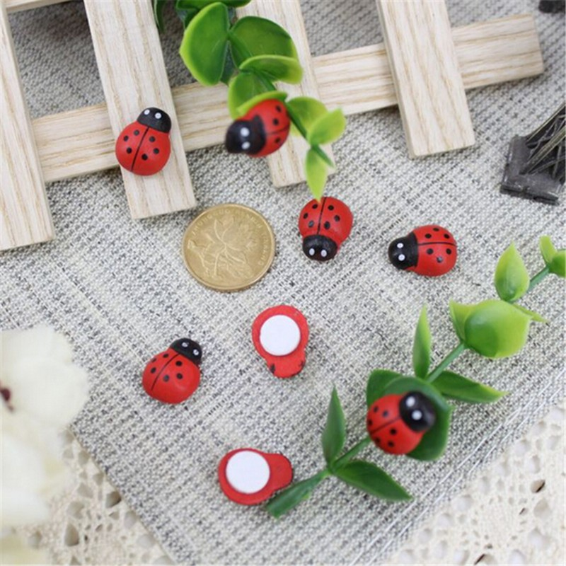 100pcs/Bag Wooden Ladybird Ladybug Sticker Children Kids Painted Adhesive Back DIY Craft Home Party Holiday Decoration F0202