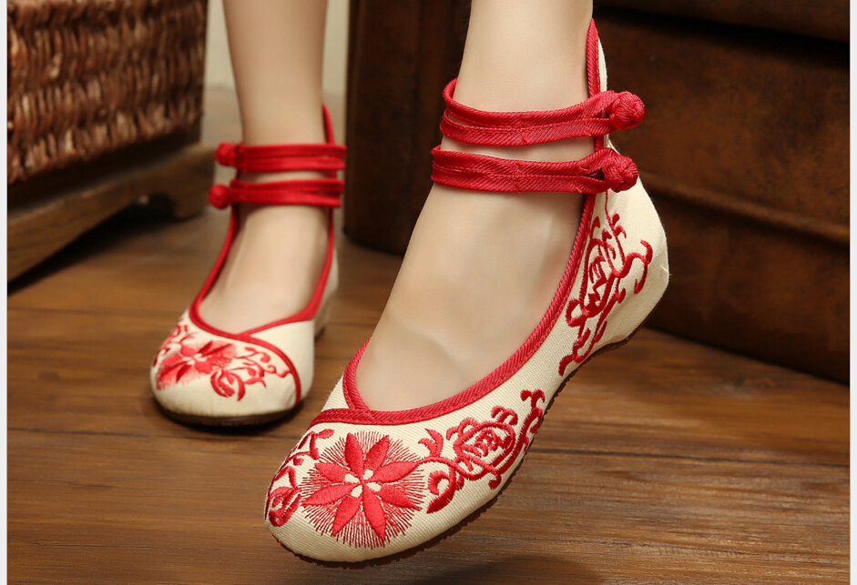 National wind increased in women s shoes embroidered shoes old Beijing cloth shoes female spring and