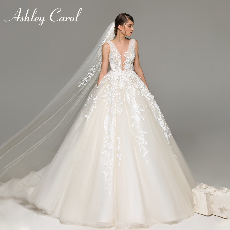 Ashley Carol Sexy Deep V-neckline Backless Princess Wedding Dress 2019 Chapel Train Appliques Bride Dresses Tulle Wedding Gowns