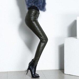 Image 3 - Novas mulheres sexy de alta qualidade couro do plutônio calças magras biker velo forro cintura alta senhora do escritório calças lápis de couro longo