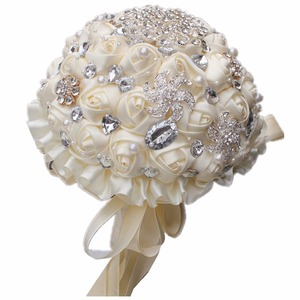Image 3 - Лидер продаж, кремовая брошь цвета слоновой кости, букет свадебных букетов из полиэстера, свадебный букет с жемчужными цветами, buque de noiva PL001