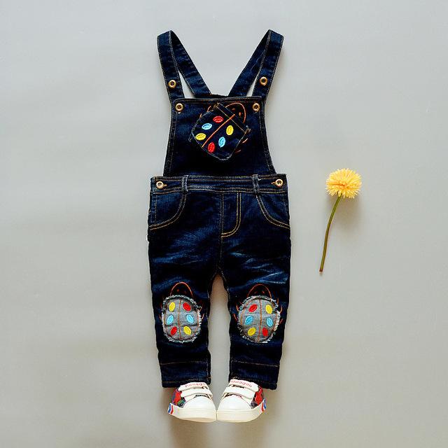 Nuevo 2016 Casual Algodón Vaquero Bebé Moda Bebé Lindo de la Historieta niños Denim Bib Pantalones Pantalones Del Babero de Los Niños para el Bebé 7-24 Meses