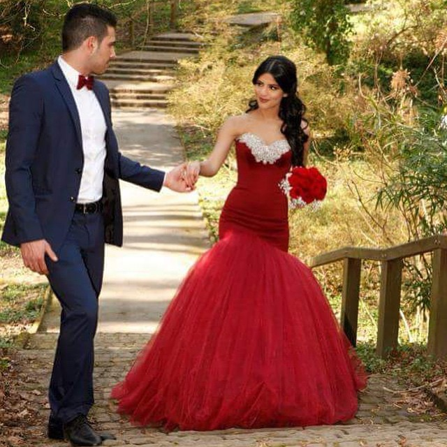 Elegant Red Wedding Dress Sweetheart Rhinestones Mermaid Lace Up ...