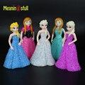 Venda quente de Cristal Dos Desenhos Animados Luz Conduzida Da Noite Elsa/Anna Boneca Brinquedos de Flash RGB Candeeiros De Mesa de Natal Do Feriado Do Aniversário Das Meninas presentes