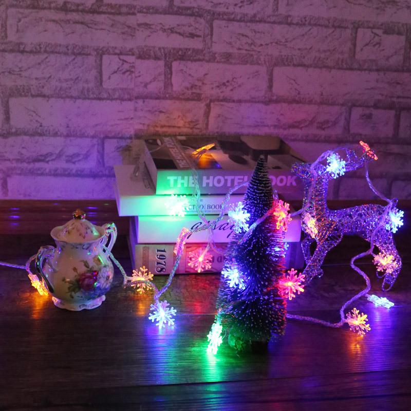 snowflake string lights 4668696712_897662015