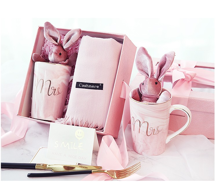 1 set d'anniversaire cadeaux faveur De Mariage et cadeau de demoiselle d'honneur groomsman d'hiver écharpe tasse En Céramique cadeau boîte lapin cadeaux de retour de mariage