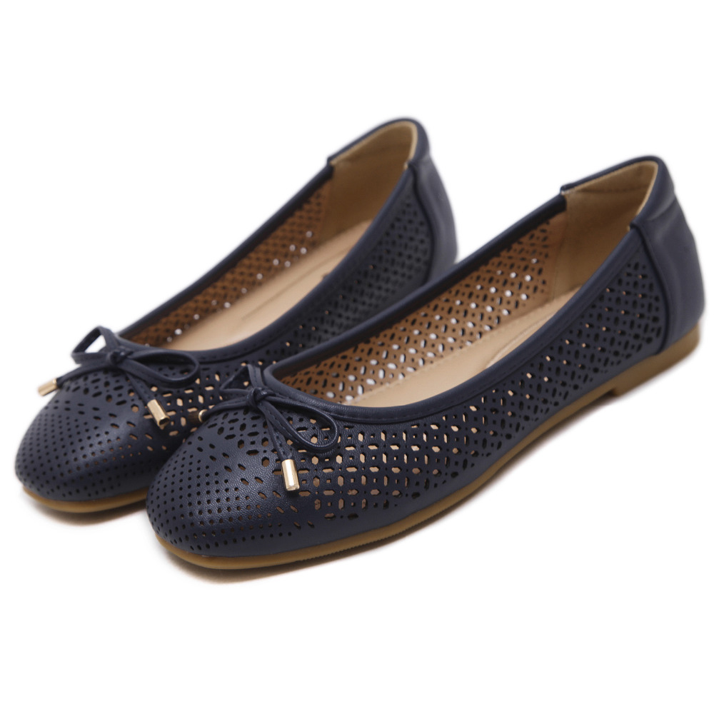 7ed840fdcdb4 2017 Newest Bowtie PU Round Toe Holes Women Loafers Casual Ballet Flats  Shoes SIKETU Brand-in Women s Flats from Shoes on Aliexpress.com