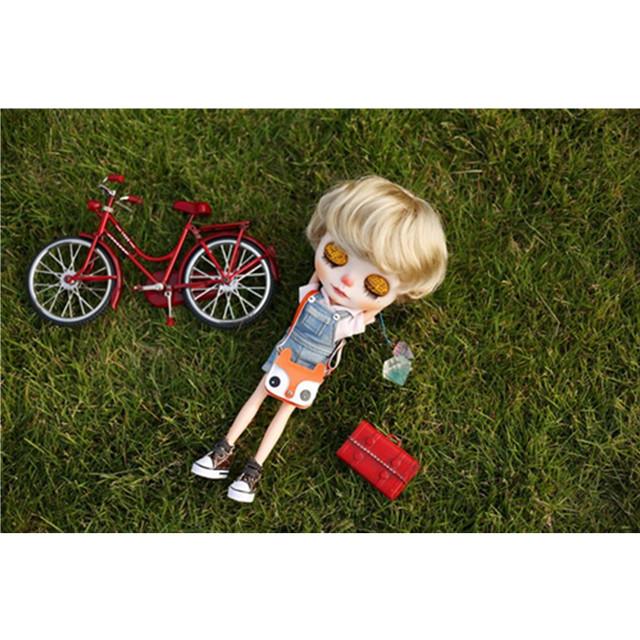 Neo Blythe Doll Red Bike