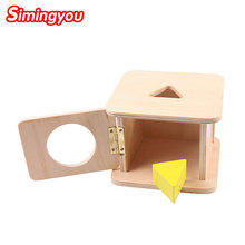 Montessori para todos – Caja de madera con pieza triangular