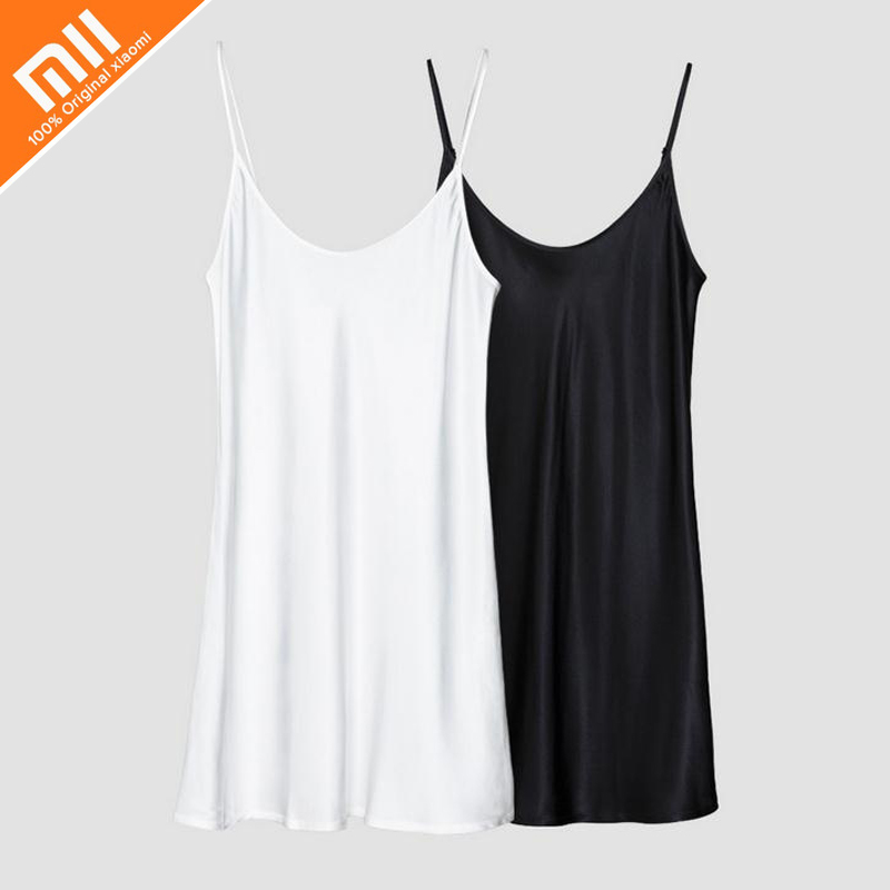 Authentic Xiaomi instant me 100% silk silk suspender skirt summer women sexy pajamas black and white two pajamas HOT sexy v neck silk material pajamas set in green