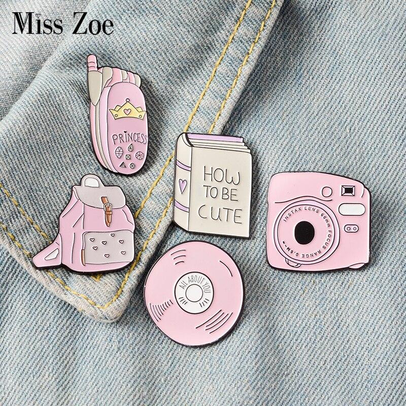Livro mochila Câmera de telefone Celular CD Esmalte Pin Crachás Personalizados Rosa Menina Broches Alfinetes de Lapela Denim Camisa Colar de Presente Da Jóia crianças