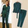 Estilo pijama 2017 primavera desfile de moda design sólido verde mulher casaco de manga longa das mulheres conjunto de duas peças blusas e longo calças