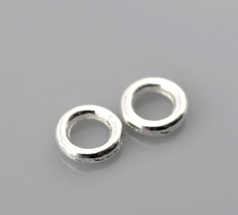 DoreenBeads Zinc Metal Alloy Closed Soldered Jump Rings Round Silver Plated 4mm( 1/8