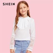 SHEIN Kiddie/белая однотонная контрастная кружевная Повседневная Блузка с оборками спереди; топы для детей; коллекция года; весенние блузки с длинными рукавами и вырезом-лодочкой на спине для девочек