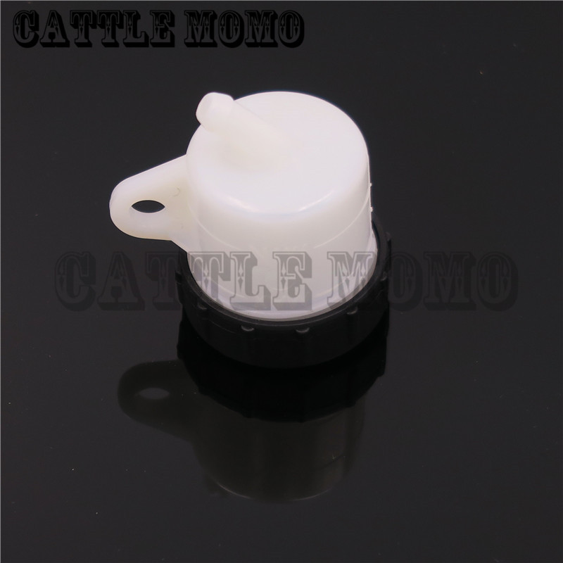 Universal Brake Fluid Reservoir Tank Oil Cup For Ducati 1098 1198 1199 1100 1200 Monster 1000 2005-2011 2012 2013 2014