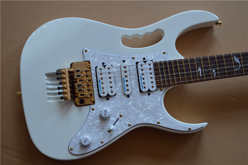 2019 nouvelle usine + + guitare électrique blanche tout en or matériel arbre de vie 21 à 24 incrustations frettes rousses OEM guitare électrique