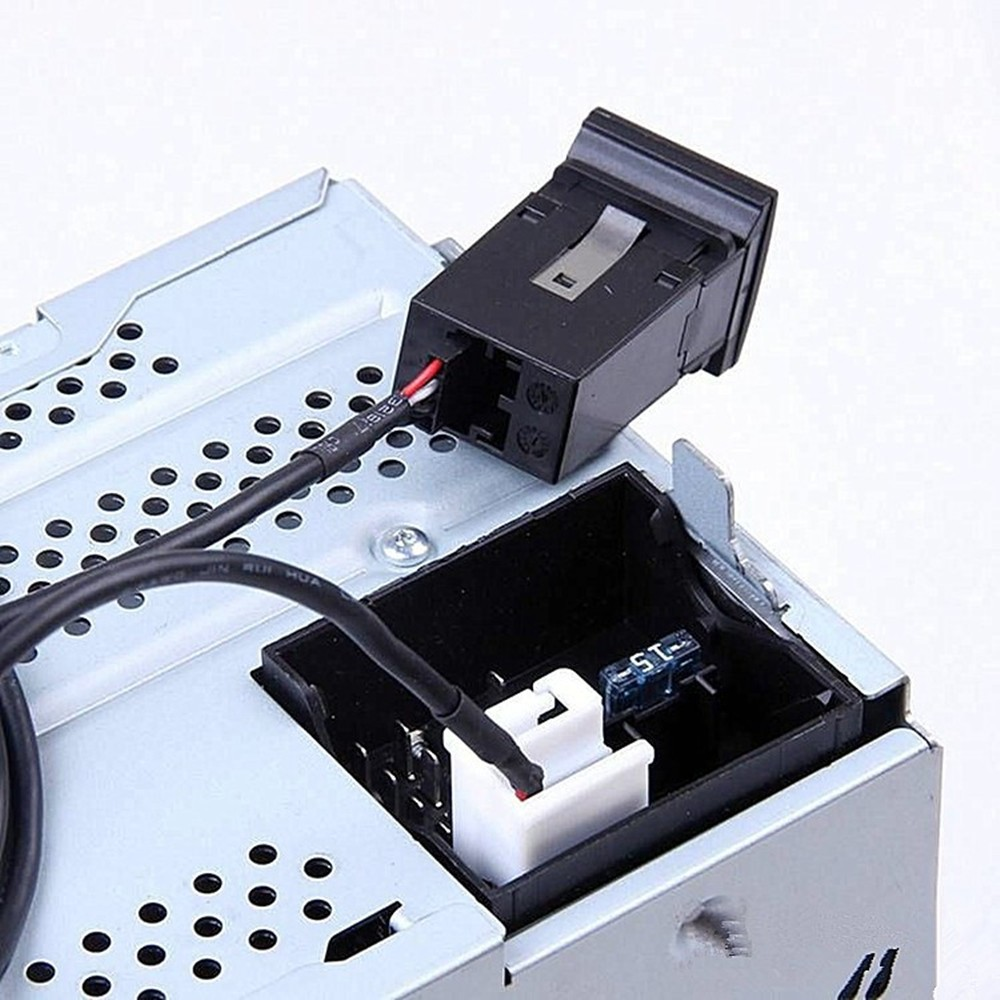AUX-In 3,5/mm per VW RCD510/RNS510/RCD310