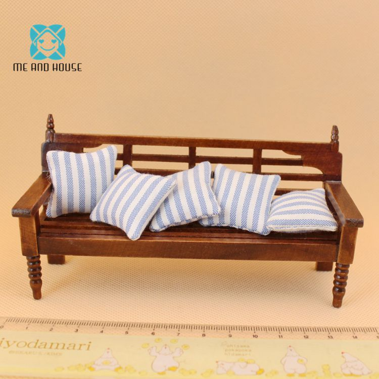 Miniature Dollhouse wooden bench mini toy doll house furniture long chair with pillow 1:12 scale miniature dollhouse on table 1 12 scale house shape showcase