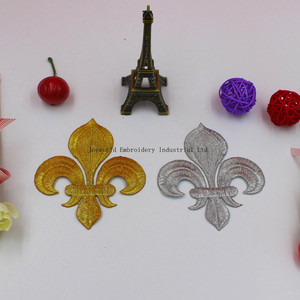 Image 3 - YACKALASI 20 części/partia złoty kwiat aplikacja Lotus haftowane naprasowanki Fleur De Lis 10 8.5cm
