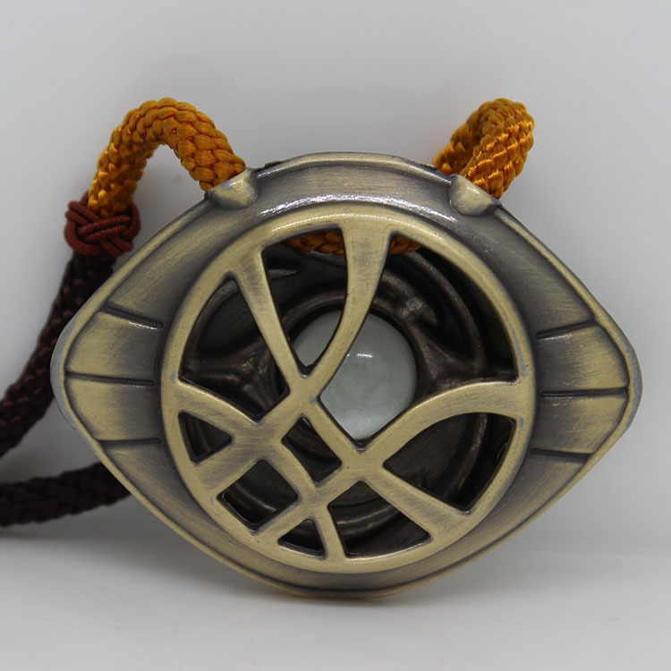 Newest Doctor Strange Necklace Glow in Dark Eye Shape Bronze Silver Pendant Movie Cosplay Jewelry