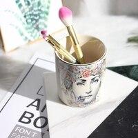 Européenne moderne pop art de stockage en céramique tasse brosse baril beauté maquillage brosse cylindre souple monté décoration