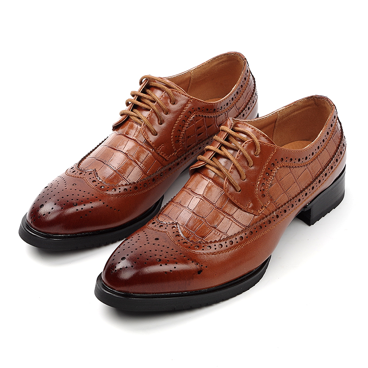 high quality men breathable fashion business wedding genuine leather brogue shoes pointed toe carved bullock oxfords shoe sapato 2016 spring autumn bullock men s oxfords shoes carved leisure shoes fashion retro pointed toe brogue shoes for men