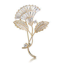White CZ Zircon Flower Shape Brooches For Women Gold-Color Copper Suit Accessories Exquisite Wedding Brooch Lapel Pins Jewelry