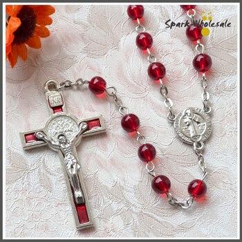 22afd1b8833c De mujeres católicas 6mm cristal rojo St. benedicto Cruz colgante Rosario  Santo religioso collar Navidad Rosario collar regalos
