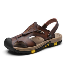 Nuevos Zapatos de Verano Sandalias de Cuero Marrón de Los Hombres Al Aire Libre Zapatillas de Playa Casuales Sandalias Planas Zapatos de Los Hombres