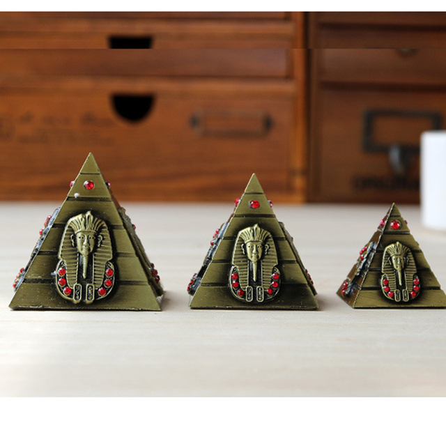 3pcs/set Egyptian Pyramid Model Metal Craft Furnishing Articles Table  Miniaturas Desk Ornaments Vintage Home