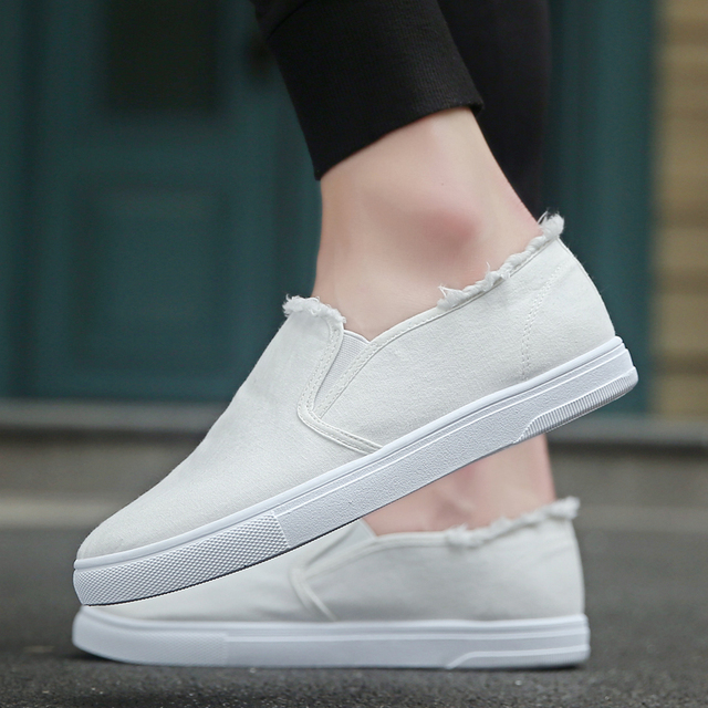 b471b44db85 2018 New Men s Canvas Shoes Male Man Wear Easy Casual White Loafers Man  Adult Footwear Menswear