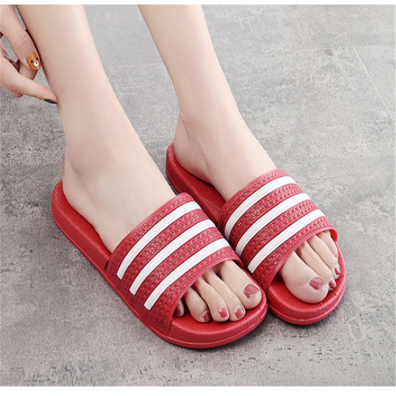 Teen Boys Girls Sandals Shoes Teenage Kids Summer Slippers Man Woman Beach Bath Shoes Home Slippers Casual Stripped PVC Shoes 17