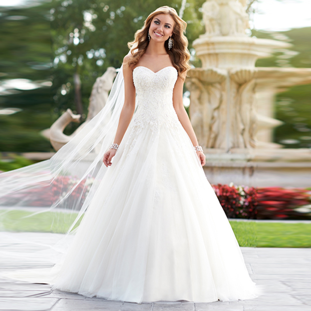 Wedding Ball Gowns Sweetheart Neckline: SLEEVELESS APPLIQUES SWEETHEART NECK PRINCESS BALL GOWN