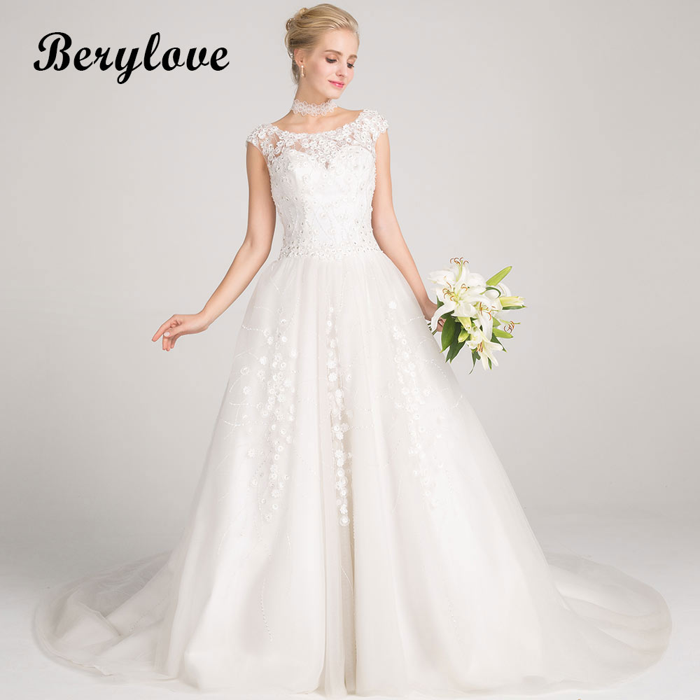 BeryLove Elegant A Line White Wedding Dresses 2018 Long Beaded Flowers Wedding Dress Court Train Women Styles Wedding Gowns