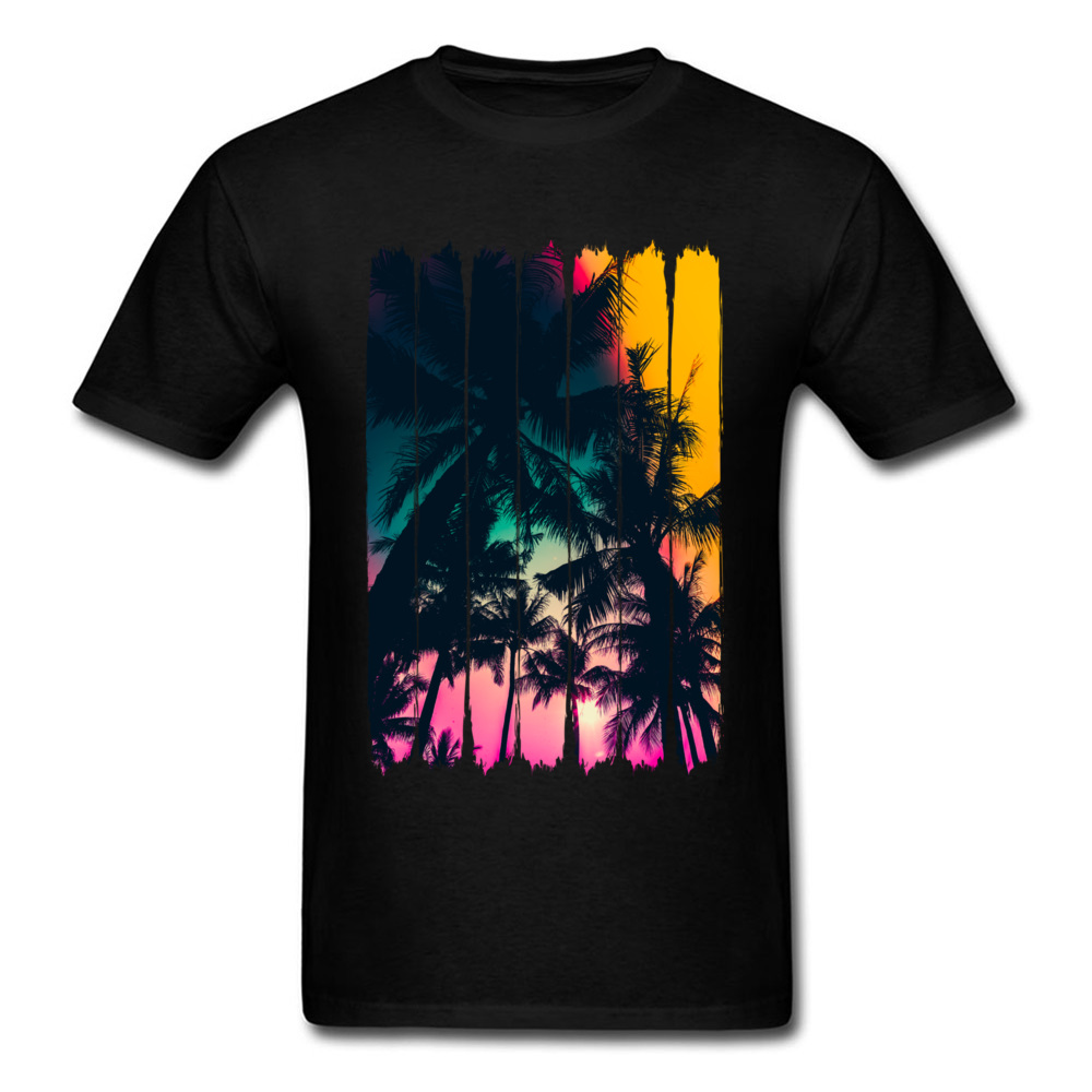 Trend t-Shirt,Angry Shark Chasing a Diver Fashion Personality Customization
