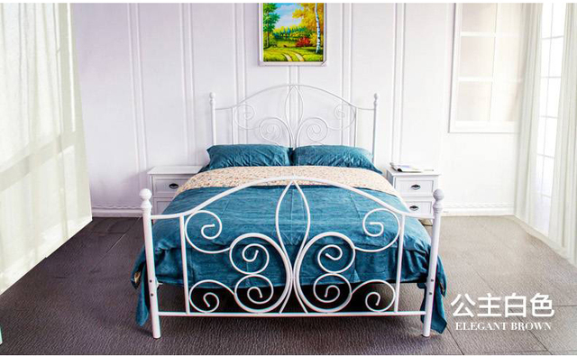 Modern, wrought iron metal bed, single or double. Width (1.35m to 1.8 m) * 2 meters in length, can be customized